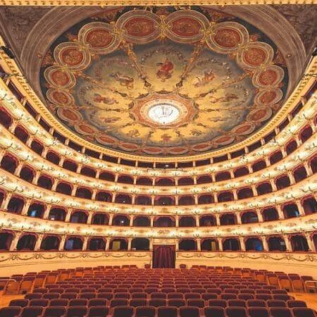 itinerari-della-bellezza-pesaro-teatro-rossini-min