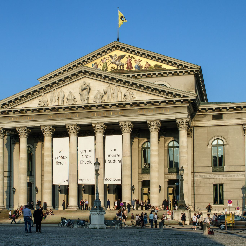 Bayerische_Staatsoper_-_München_-_2013
